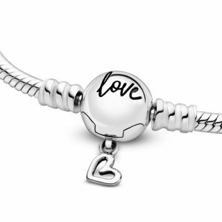 Pandora Moments Белегзија со Змиска Плетка со Затворач во Форма на Нацртано Срце
