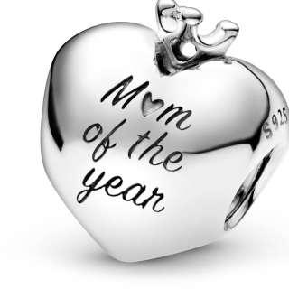 Приврзок во форма на срце Мајка на годината