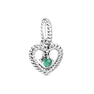Висечки приврзок во форма на срце со перли и со темнозелен кристал