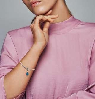 Висечки приврзок Морска желка од мурано стакло