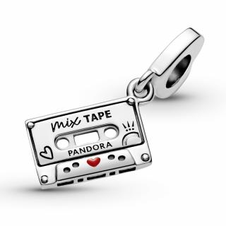 Висечки приврзок Ретро касета