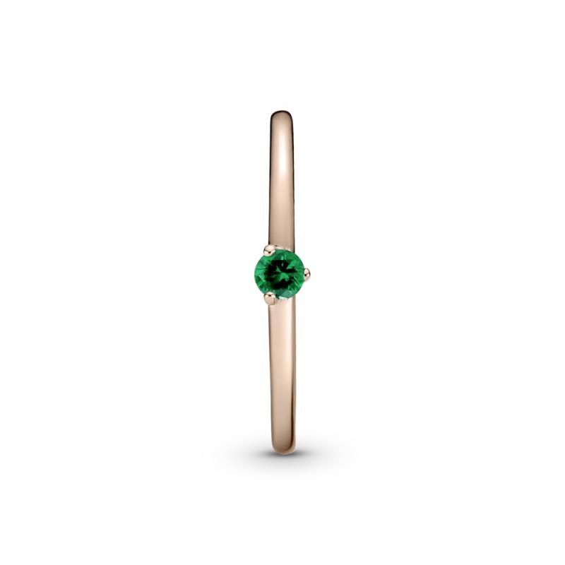 Прстен со зелено камче