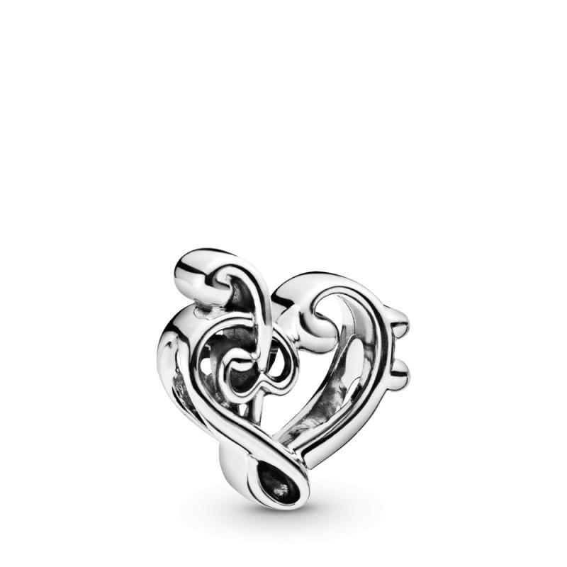Приврзок Срце со виолински клуч
