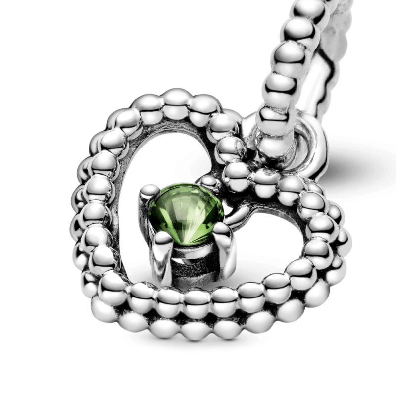 Висечки приврзок во форма на срце со перли и со светлозелен кристал